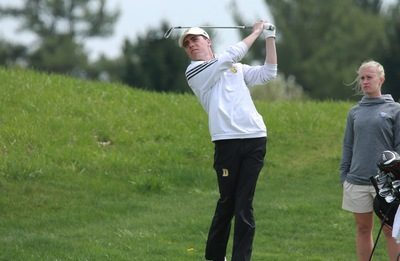 Men's golf / THE DEPAUW