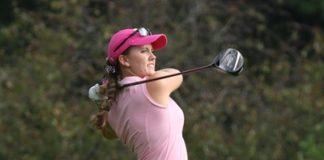 Anna Foley golfs / THE DEPAUW
